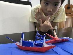 船とサメ2.jpg